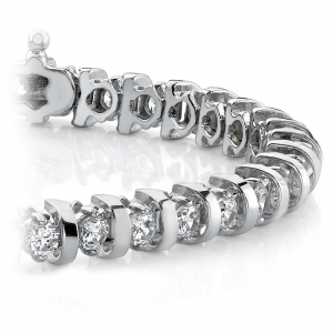 Bar Diamond Bracelet in White Gold