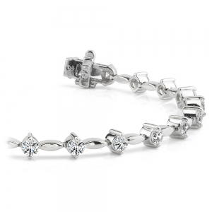 Teardrop Diamond Bracelet in White Gold (2 ctw)