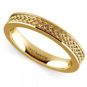 Celtic Knot Men's Wedding Ring in Yellow Gold