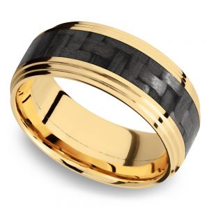 Double Stepped Edges Carbon Fiber Inlay Men's Wedding Ring in 14K Yellow Gold