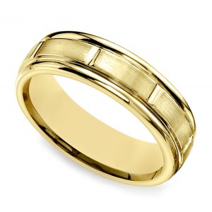 Vertical Grooved Men's Wedding Band in Yellow Gold
